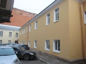 Фасад здания после ремонта Загородный пр.