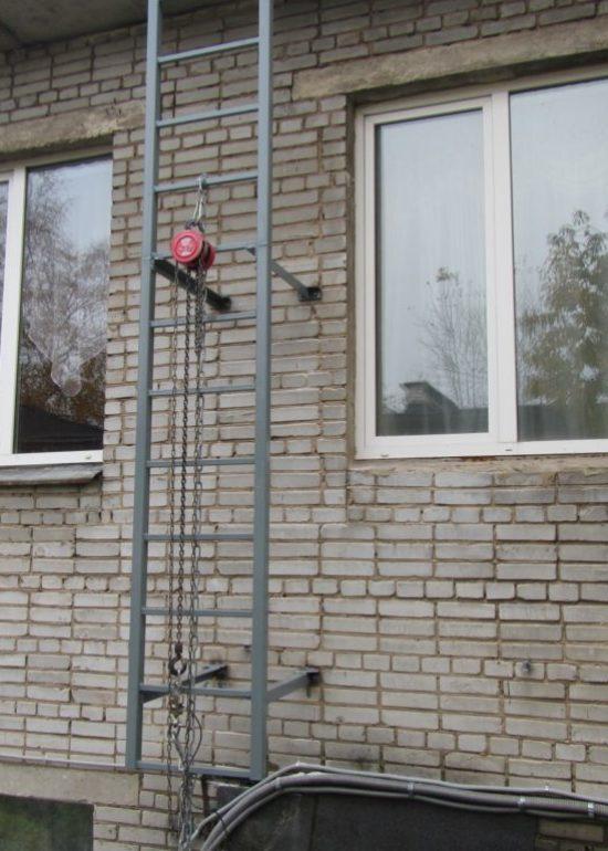 Испытание ступени вертикальной лестницы